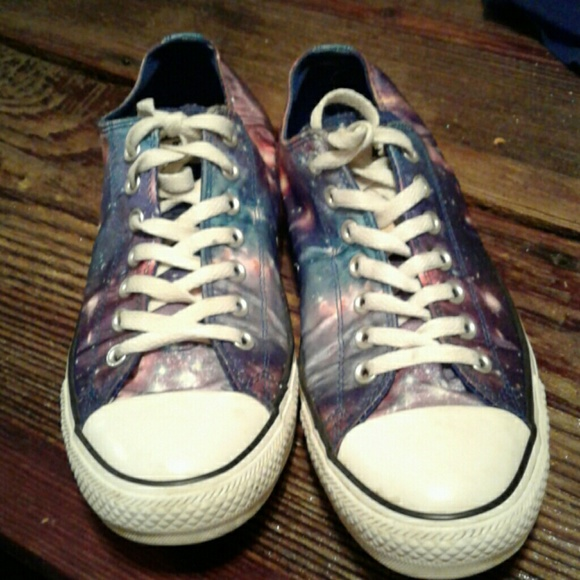 459fa053b6 Converse Other - Men s 10 (Women s 12) Galaxy Print Converse